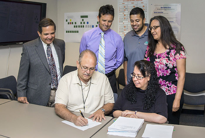 PMI LANL small business contract signing